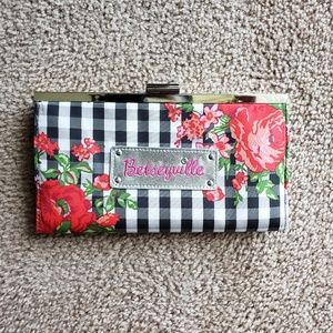 Betseyville wallet clutch
